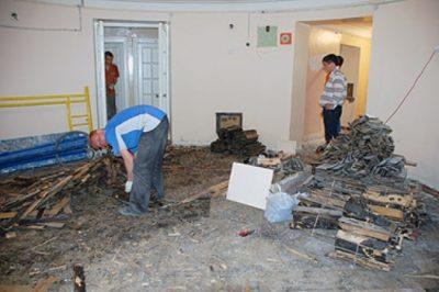 Демонтаж старых покрытий перед ремонтом