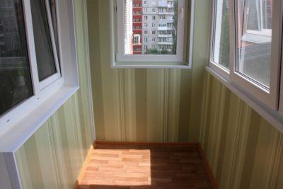 Разнообразная обшивка балкона