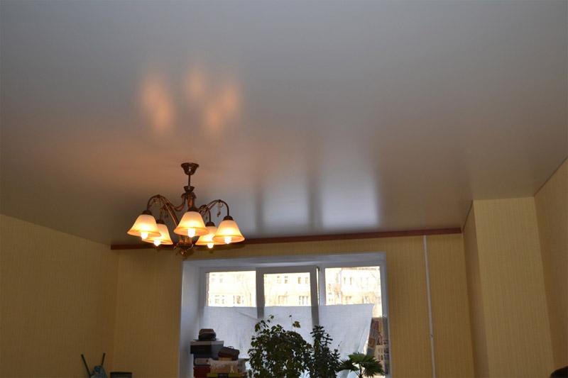 Какой потолок выбрать – подвесной или натяжной?