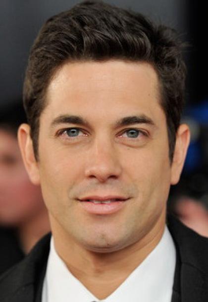 Краткая биография актера Адама Гарсия (Adam Garcia)