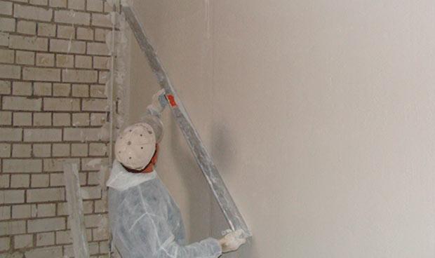 Штукатурка для выравнивания стен
