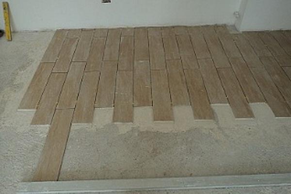 Укладка ламината на бетонную поверхность пола в квартире