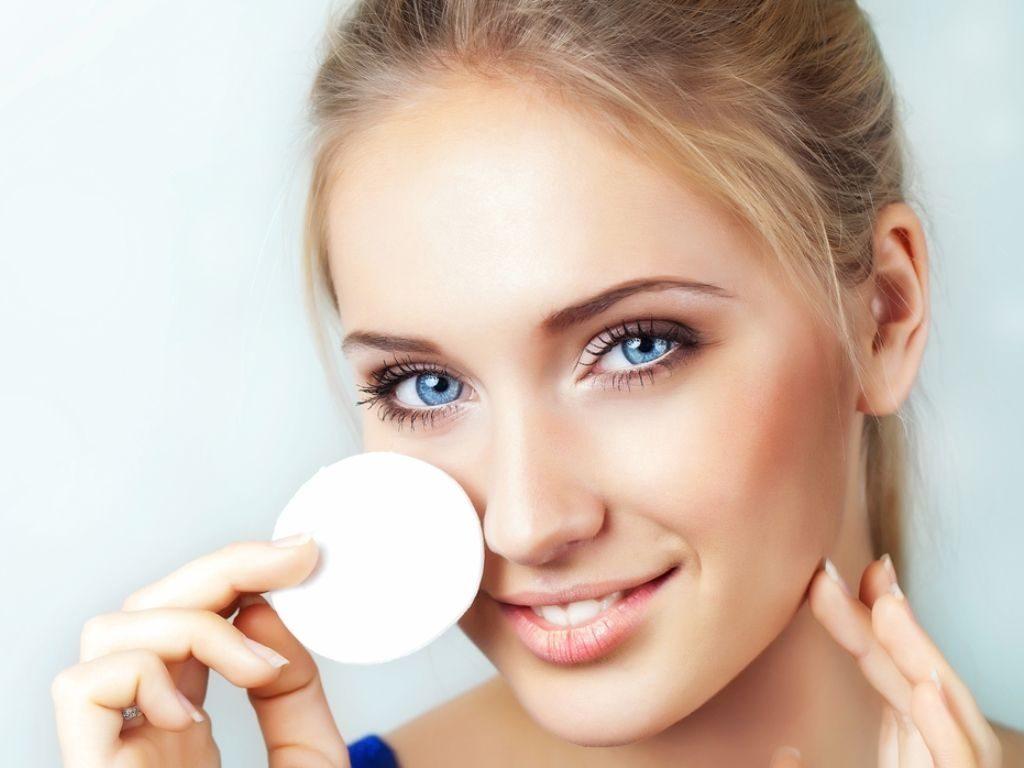 Привлекательность и обаятельность: ухаживаем за кожей лица