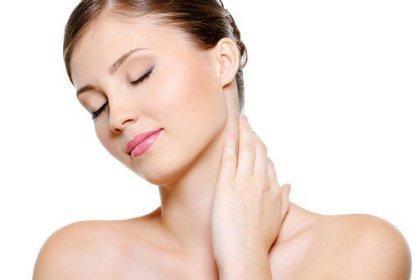 Правильный уход за кожей декольте и шеи