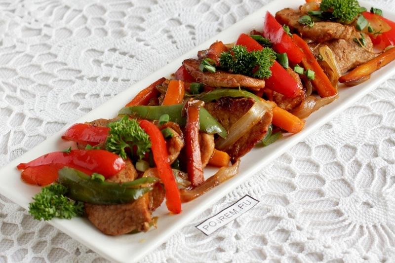 Свинина по-богатырски с овощами
