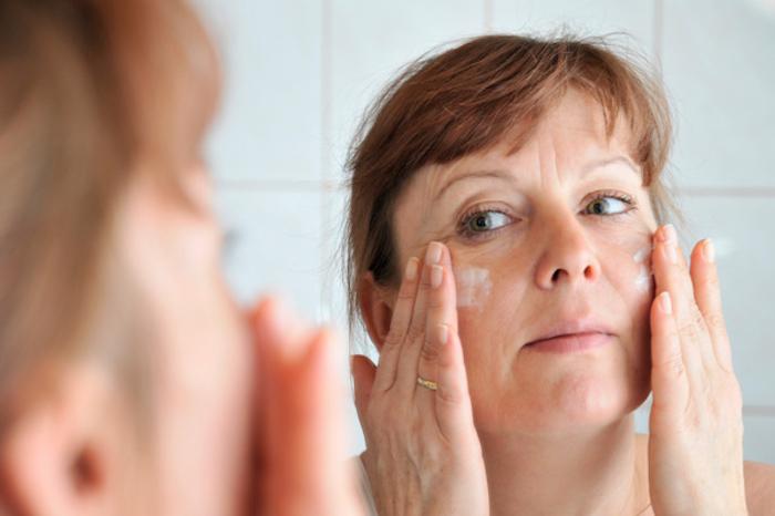 Сухая кожа: как ухаживать за ней? Отвечают ЕКосметолоджи