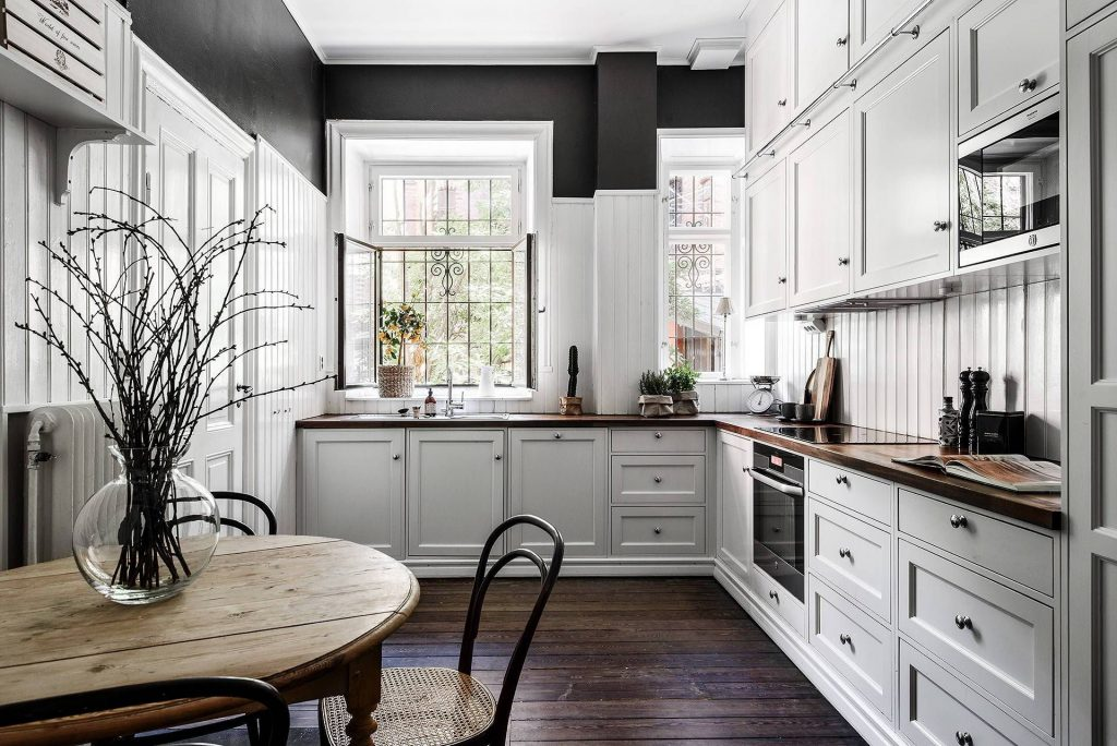 Где купить стол на кухню и какой стол брать?