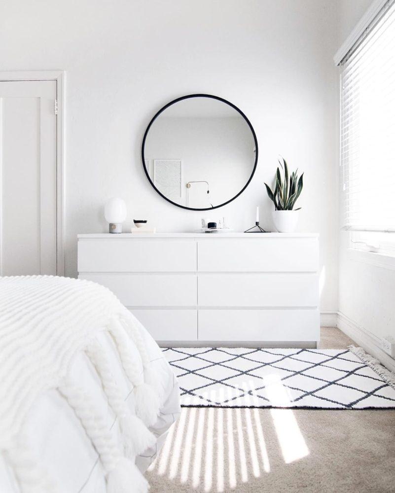 Прежде чем белый туалетный столик купить - подумайте!