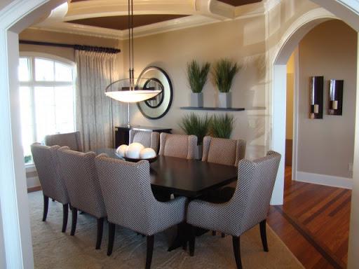 Большие обеденные столы для гостинной не будут лишними!