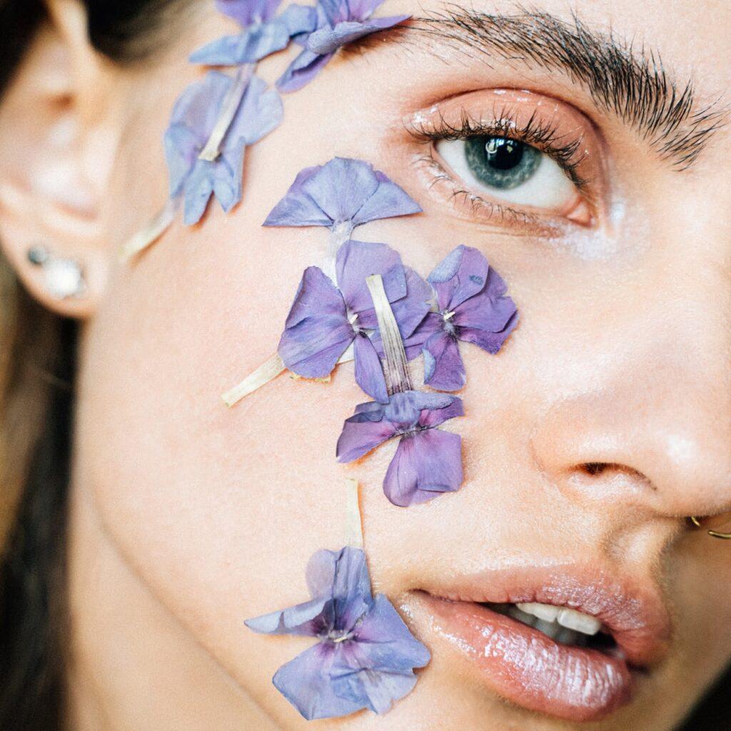 По отзывам клиентов Aesthetic Cosmetology эти «зимние» привычки полезны для кожи и не только!
