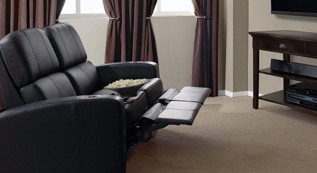 Роскошные кресла для просмотра телевизора в «Центральном Доме мебели»